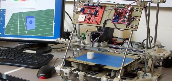 Al via il progetto REpRap: una stampante 3D per ogni scuola del Salento